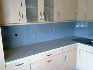 Steklo v kuhinji - Pohištvo Namestnik
