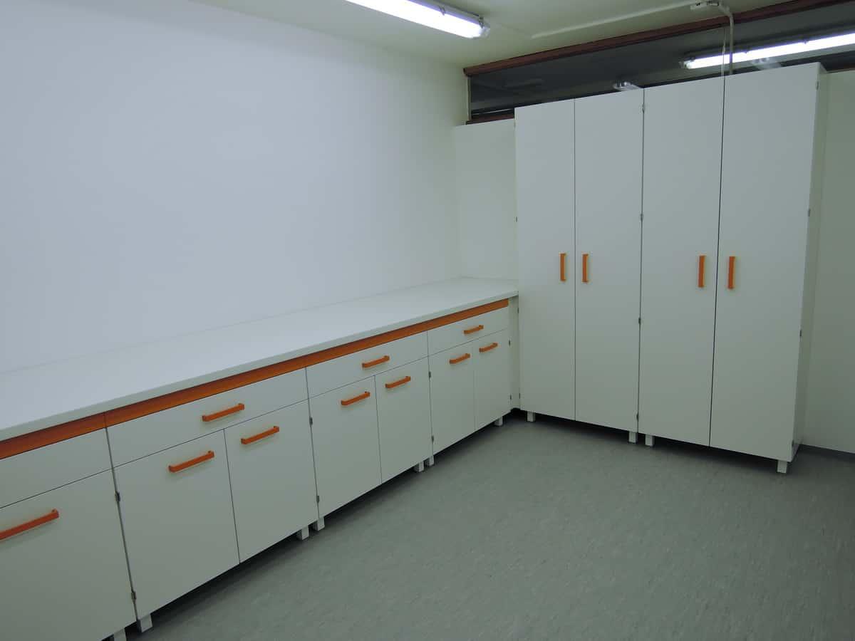 Laboratorijsko pohištvo Namestnik
