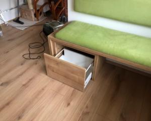 Kotna zelena klop 3