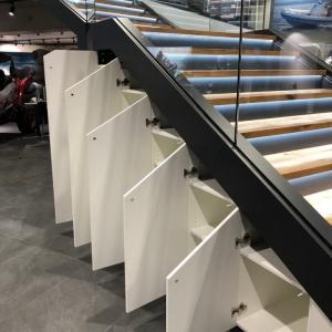 Motonautika stopnišče z omaro 04