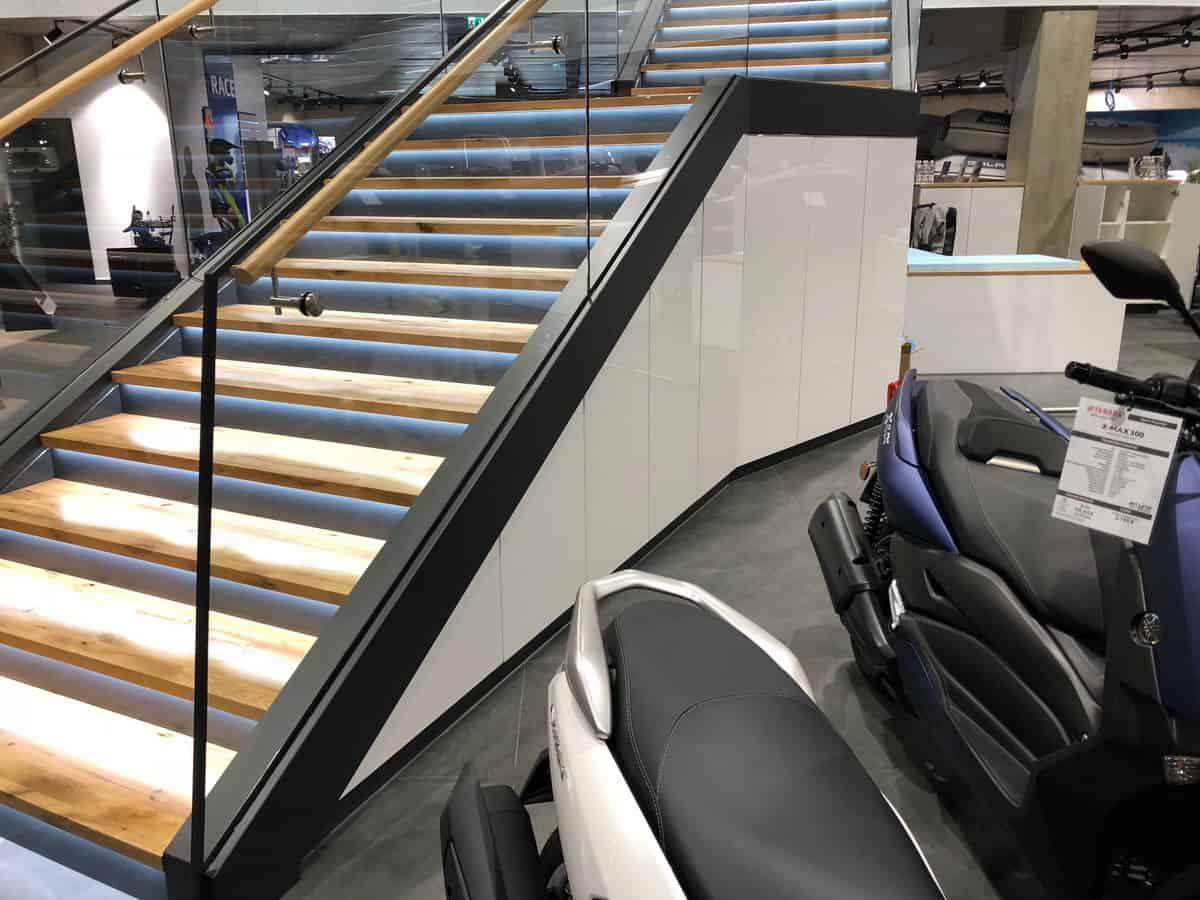 Motonautika stopnišče z omaro 11