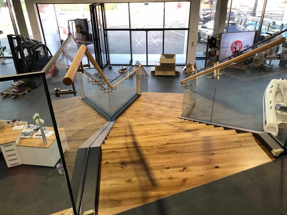 Motonautika stopnišče z omaro 26