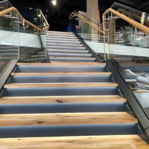 Motonautika stopnišče z omaro 28