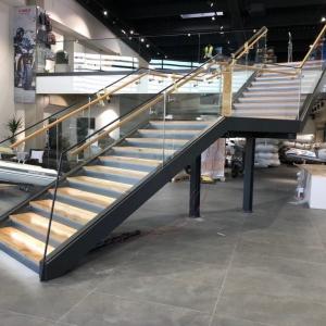 Motonautika stopnišče z omaro 30