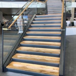 Motonautika stopnišče z omaro 31