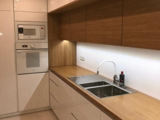 Sodobna kuhinja brez rocajev 05