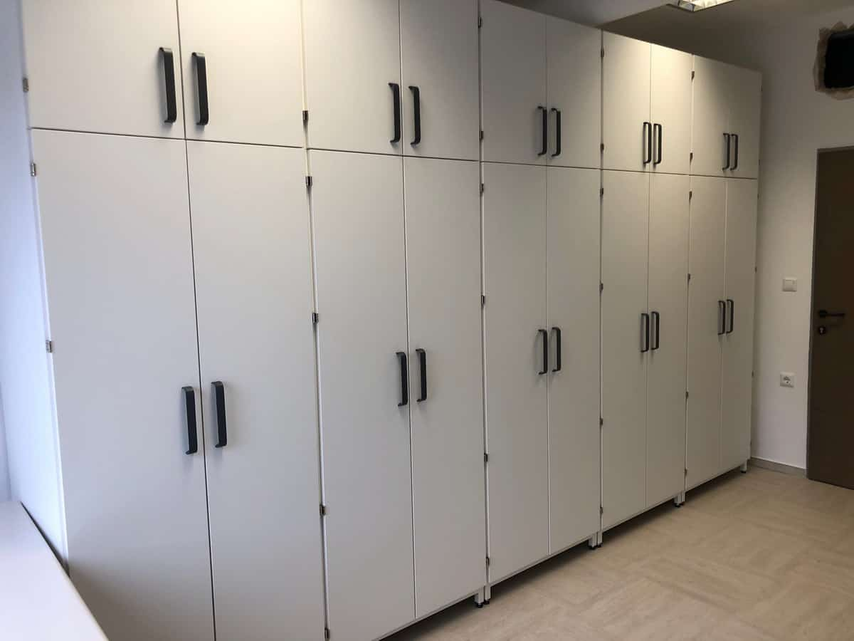 Namestnik laboratorijsko pohištvo