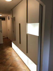 Namestnik predsoba vgradna bela LED