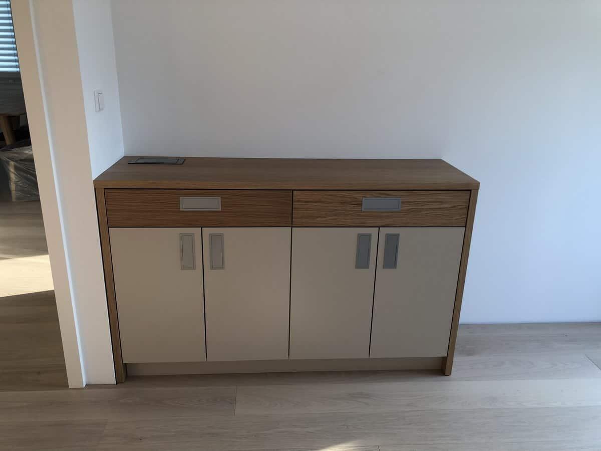 Namestnik stanovanje kabinet vgradne omare
