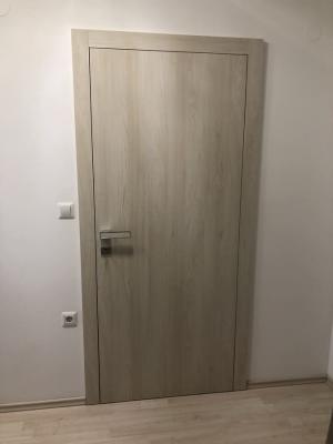 Namestnik vrata ultrapas svetla